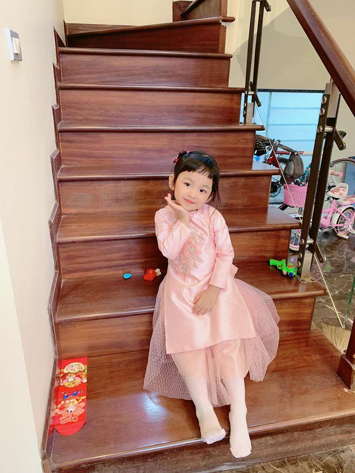 Hiếm hoi mới xuất hiện, ái nữ 4 tuổi nhà Á hậu Ngô Trà My gây ngỡ ngàng vì 'quá xinh' - Ảnh 5