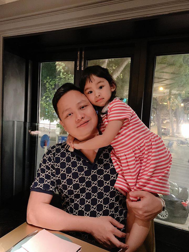 Hiếm hoi mới xuất hiện, ái nữ 4 tuổi nhà Á hậu Ngô Trà My gây ngỡ ngàng vì 'quá xinh' - Ảnh 6