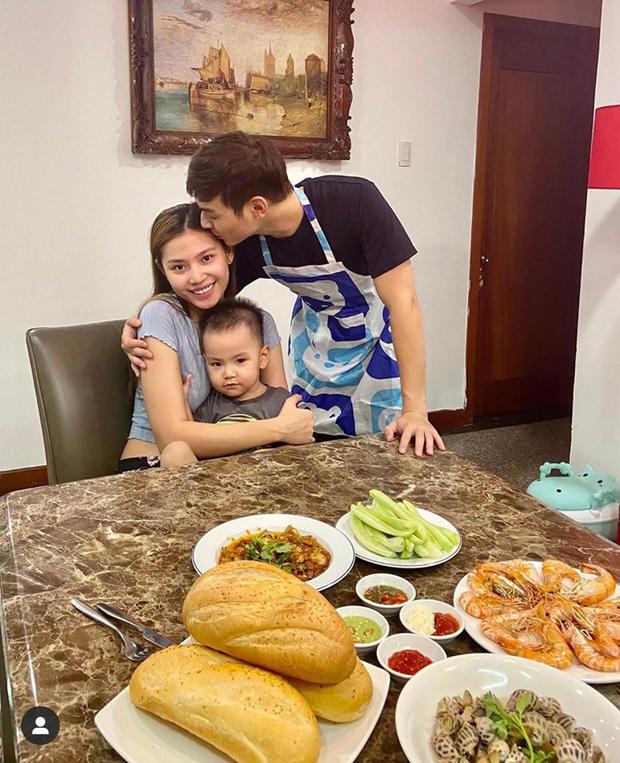 Sao Việt tiết kiệm mùa dịch: Người mặc đồ cả tuần mới giặt, người chăm chỉ vào bếp nấu ăn - Ảnh 6