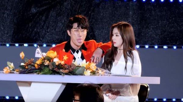 5 lần idol Kpop bị tố 'bẩn tính' với đồng nghiệp: Nancy lườm BLACKPINK, hoang mang nhất là mối thâm thù giữa Jimin (BTS) và Jungyeon (TWICE) - Ảnh 4