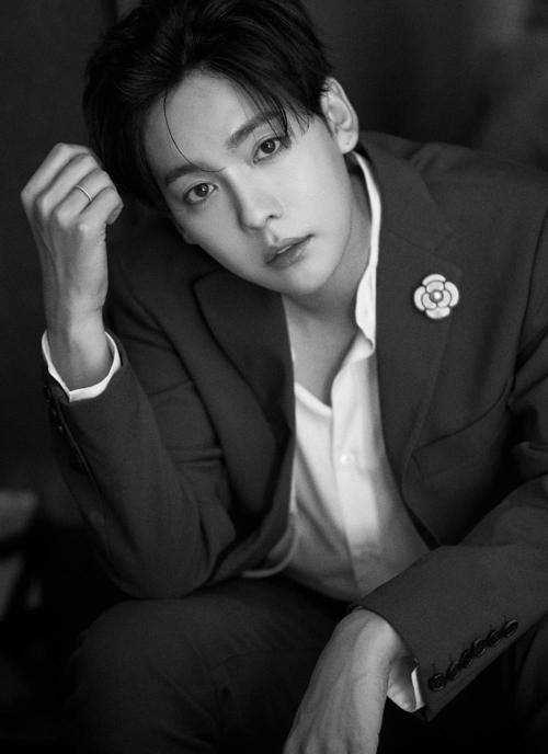 Top 5 idol đẹp trai nhất do báo Hàn bình chọn: Cha Eun Woo mang vẻ đẹp 'siêu thực' nhưng vẫn luôn đứng sau người này - Ảnh 8