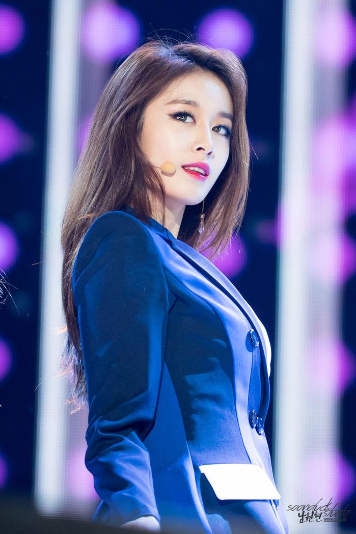 Top 5 idol nữ Kpop được tìm kiếm nhiều nhất Google: Yoona, Suzy bị nữ idol này 'vượt mặt', fan xót xa khi Sulli được gọi tên - Ảnh 2