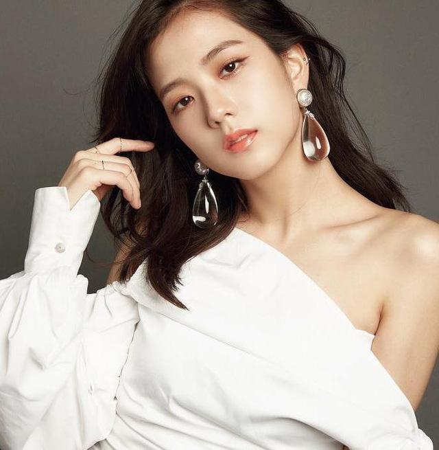 Top 5 idol nữ Kpop được tìm kiếm nhiều nhất Google: Yoona, Suzy bị nữ idol này 'vượt mặt', fan xót xa khi Sulli được gọi tên - Ảnh 7