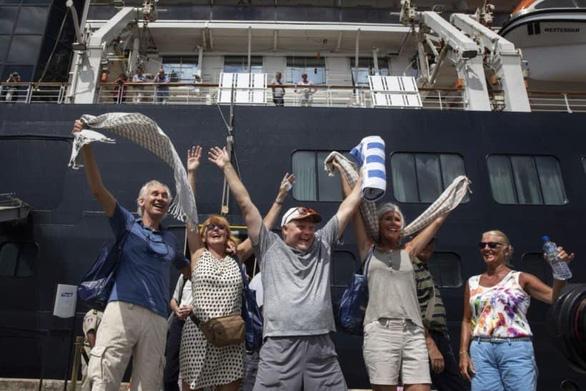 Phát hiện khách của du thuyền Westerdam vừa cập cảng Campuchia nhiễm COVID-19 - Ảnh 3
