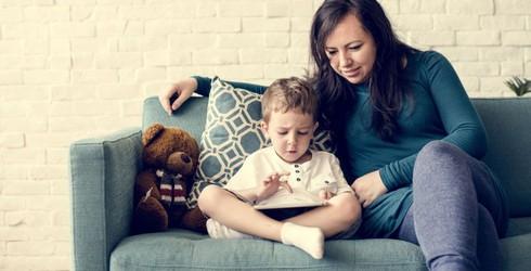 An toàn trên mạng: Cha mẹ hãy trò chuyện và làm bạn cùng con - Ảnh 1
