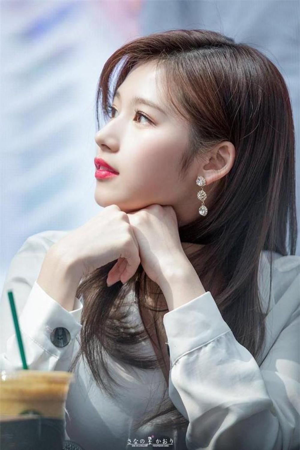 Top 7 idol nữ sở hữu chiếc mũi cao tự nhiên nhất: Jisoo với góc nghiêng xuất sắc nhưng phải chịu thua vẻ đẹp của người này - Ảnh 1
