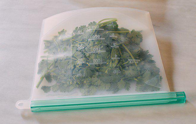 Những mẹo bảo quản rau củ quả để nhiều ngày chẳng hỏng, đỡ tốn công đi mua - Ảnh 1