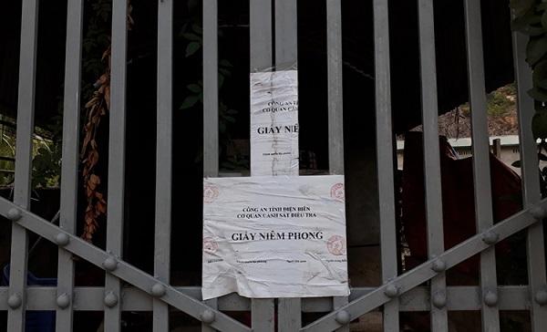 Áp giải bị can ra địa điểm gây án thực nghiệm hiện trường vụ sát hại nữ sinh giao gà - Ảnh 2
