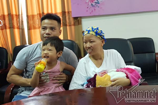 Bữa cơm đầu tiên của 2 mẹ con Bình An ở nhà - Ảnh 3