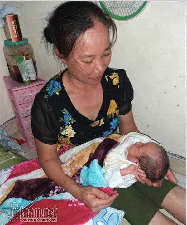 Bữa cơm đầu tiên của 2 mẹ con Bình An ở nhà - Ảnh 5
