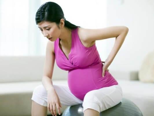 Nhắc mẹ bầu: 4 hành động đừng thực hiện kẻo khiến thai nhi khó chịu - Ảnh 1