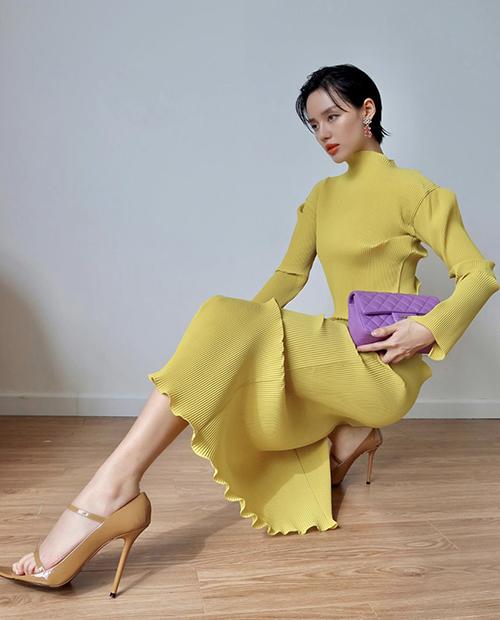 Hồ Ngọc Hà, Thu Hoàng diện trang phục rực rỡ đón hè 2020 - Ảnh 10