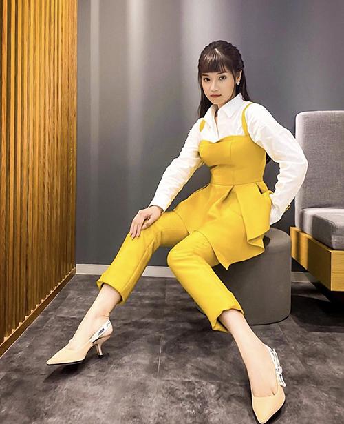 Hồ Ngọc Hà, Thu Hoàng diện trang phục rực rỡ đón hè 2020 - Ảnh 11