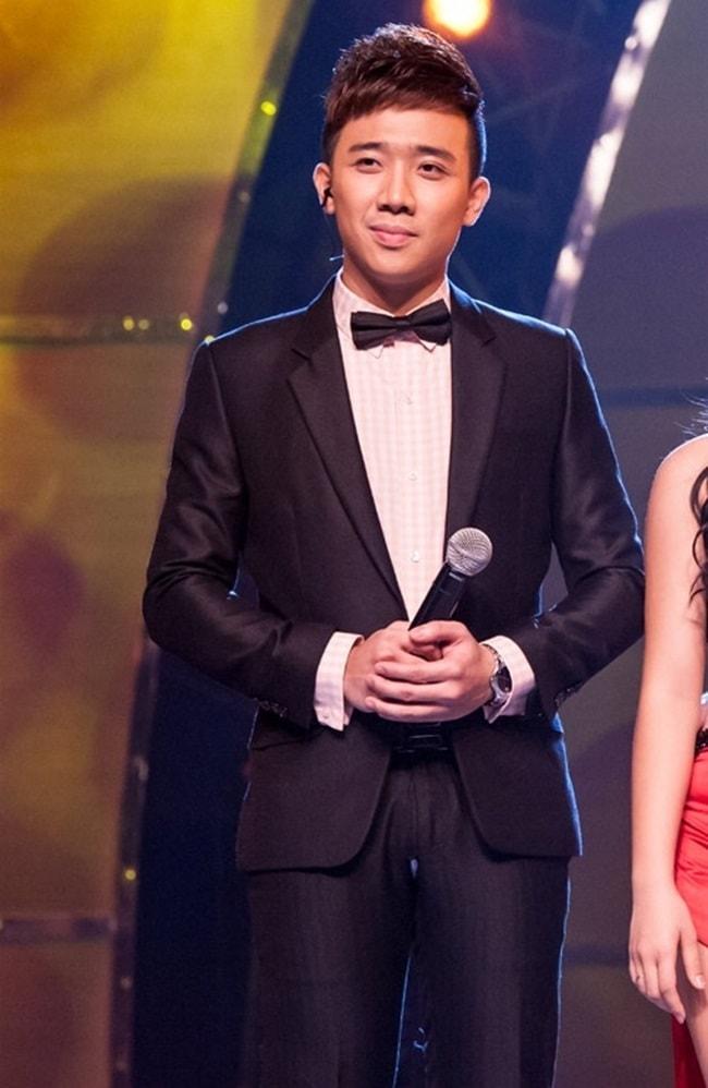 Sự cố rách áo, bục quần trên sân khấu của sao Việt chưa là gì khi nhìn thấy Trấn Thành làm điều này - Ảnh 8