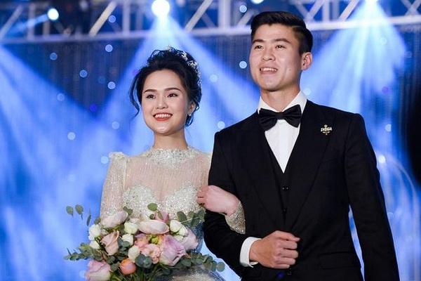 Trầm trồ trước gia thế 'không phải dạng vừa' của vợ các cầu thủ nổi tiếng làng bóng Việt - Ảnh 4