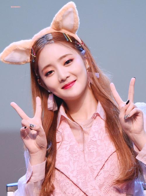 4 kiểu kẹp tóc 'chanh sả' giúp idol Hàn tăng nhan sắc - Ảnh 2