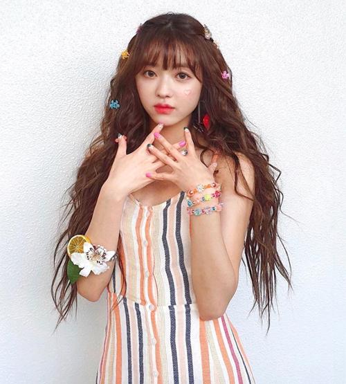 4 kiểu kẹp tóc 'chanh sả' giúp idol Hàn tăng nhan sắc - Ảnh 5
