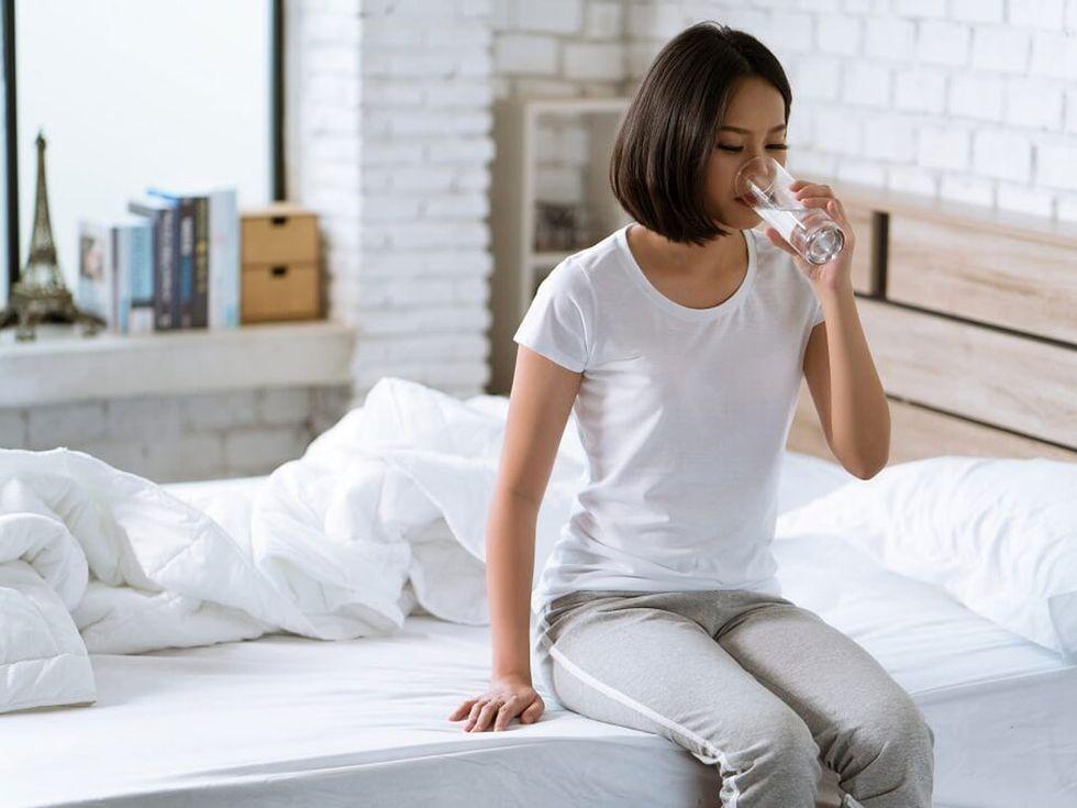 Cứ uống nước thế này không sớm thì muộn gan thận cũng tổn thương, ung thư sẽ tìm đến, bỏ ngay đi - Ảnh 1