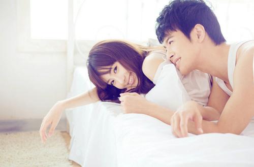 Nửa đêm tỉnh giấc, người đàn ông có màn 'đụng chạm' khác thường này chứng tỏ tình yêu dành cho bạn nhiều đến mức phát cuồng - Ảnh 2