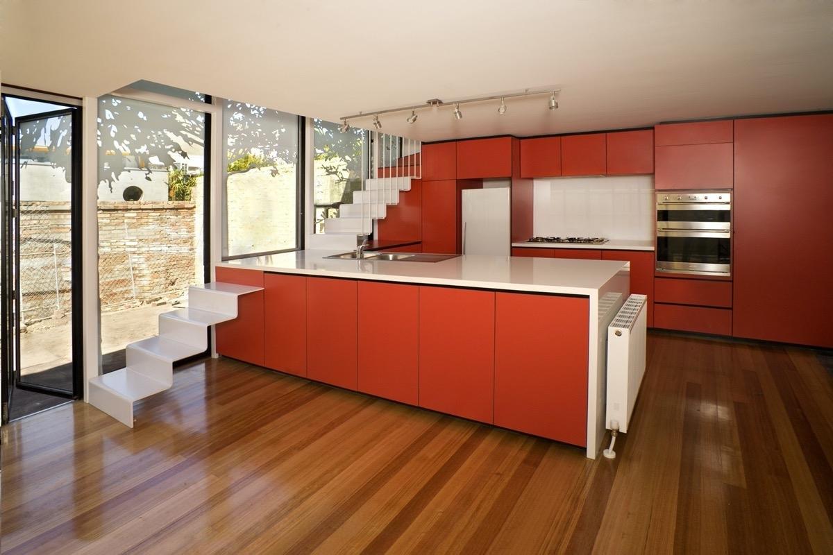 Tham khảo các thiết kế nhà bếp 'chơi trội' với màu 'nóng' - Ảnh 6