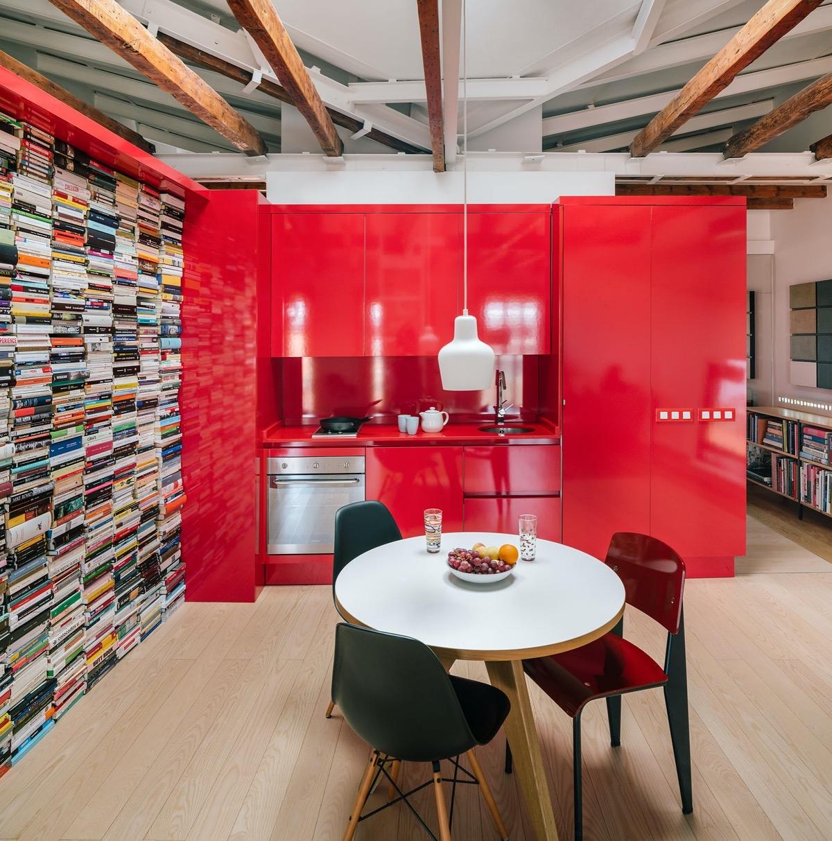 Tham khảo các thiết kế nhà bếp 'chơi trội' với màu 'nóng' - Ảnh 8