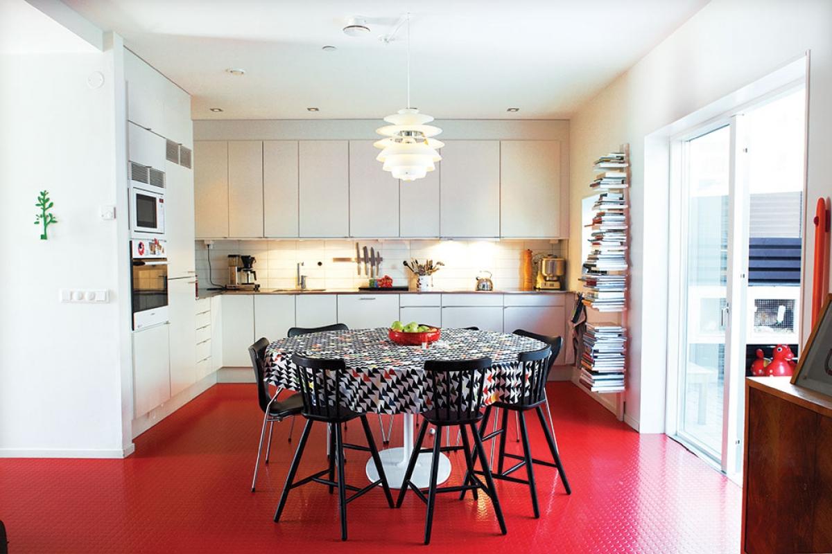 Tham khảo các thiết kế nhà bếp 'chơi trội' với màu 'nóng' - Ảnh 10