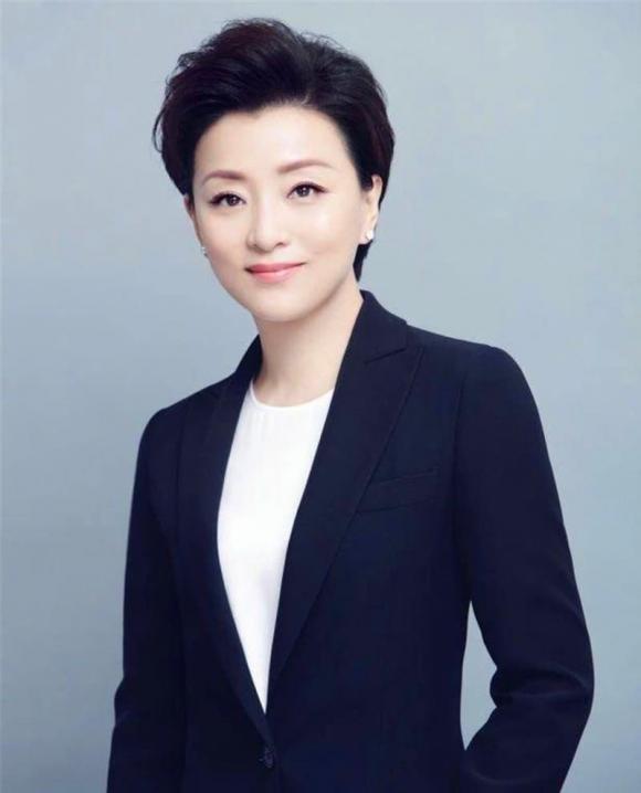 5 nữ nhân nổi tiếng vừa giàu, vừa đẹp ở Trung Quốc: Triệu Vy đứng cuối, 'hot girl trà sữa' chễm chệ ngôi đầu - Ảnh 4