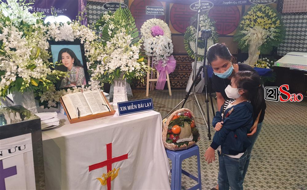 Nhóm bạn thân khẳng định Mai Phương không muốn con gái ở với ông bà ngoại - Ảnh 1