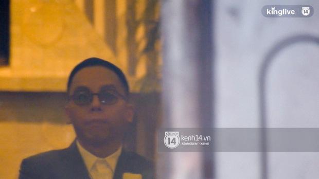 HOT: Hoàng Touliver mặc vest bảnh bao, làm đám cưới bí mật với Tóc Tiên tại nhà thờ - Ảnh 3