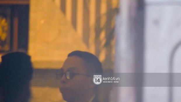 HOT: Hoàng Touliver mặc vest bảnh bao, làm đám cưới bí mật với Tóc Tiên tại nhà thờ - Ảnh 4