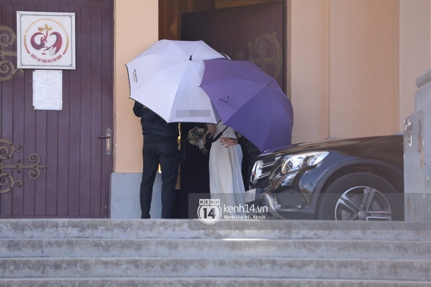 HOT: Hoàng Touliver mặc vest bảnh bao, làm đám cưới bí mật với Tóc Tiên tại nhà thờ - Ảnh 5