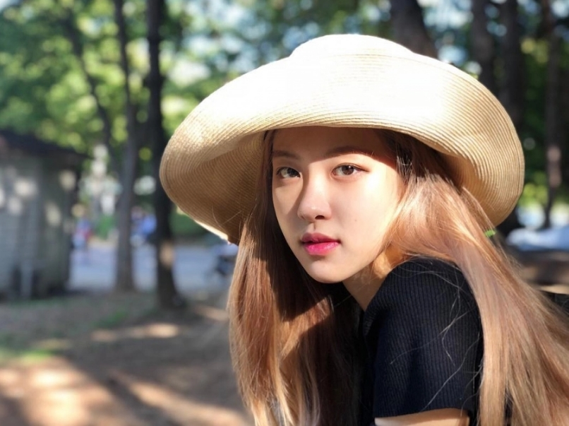Những mỹ nhân mắt 1 mí của Hàn Quốc vẫn xinh đẹp nhờ kiểu trang điểm trong suốt - Ảnh 5