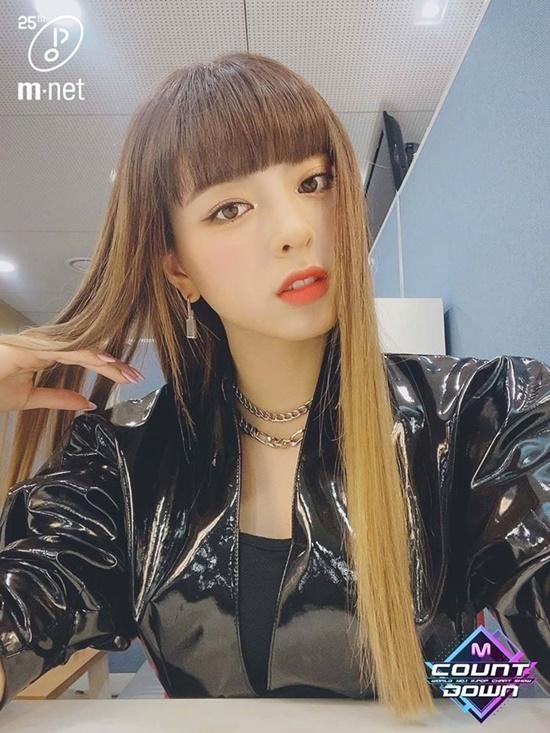 Những lần đổi kiểu tóc của nữ thần Yuna (ITZY) - Ảnh 7