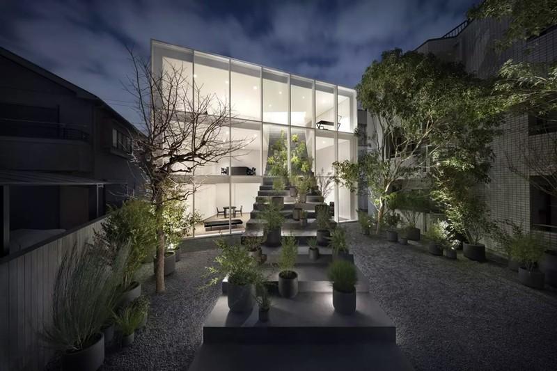 Ngôi nhà ấn tượng với cầu thang xuyên từ ngoài vào trong - Ảnh 15
