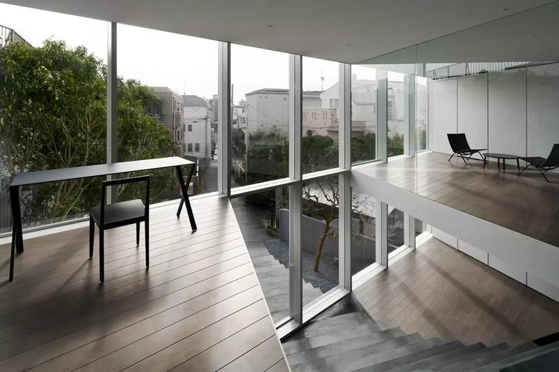 Ngôi nhà ấn tượng với cầu thang xuyên từ ngoài vào trong - Ảnh 5
