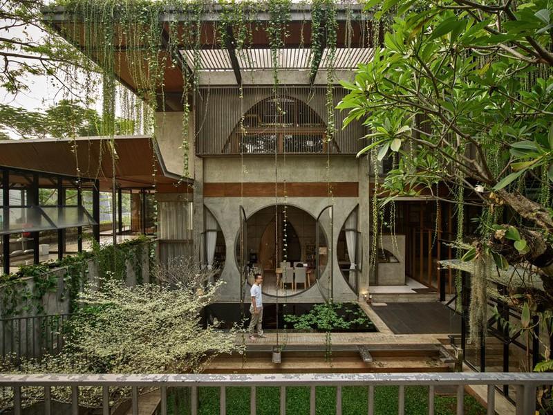 Ngôi nhà phủ kín cây xanh như bước ra từ câu chuyện cổ tích - Ảnh 3