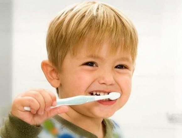 Miệng bé 3 tuổi đầy 'răng đen', không phải vì đường, mà là hai thói quen này của nhiều bố mẹ - Ảnh 4