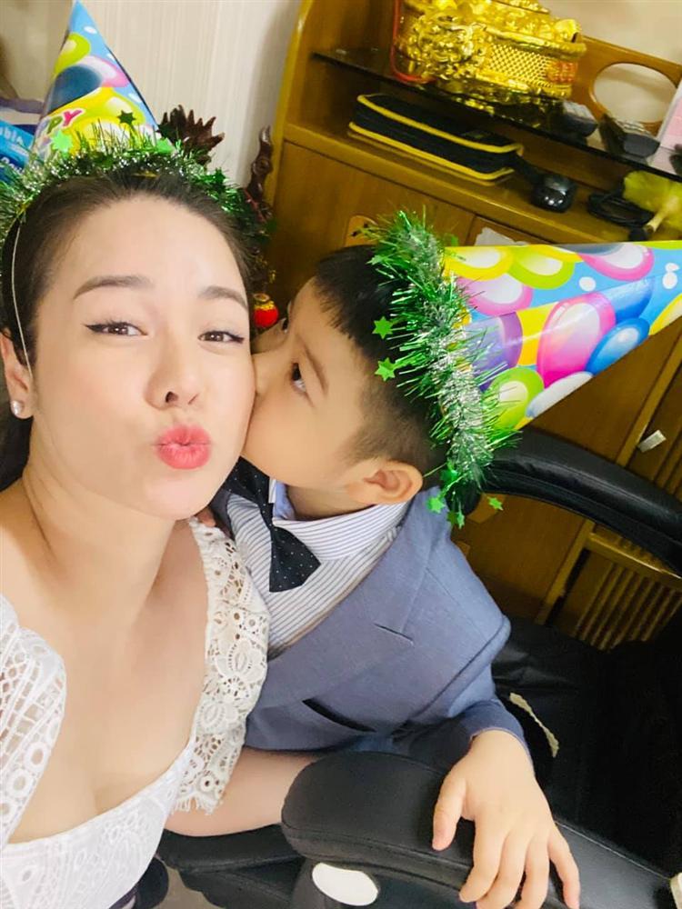 Nhật Kim Anh mừng sinh nhật con nhưng không quên 'đá đểu' chồng cũ - Ảnh 3