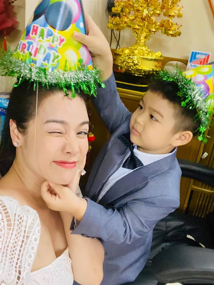 Nhật Kim Anh mừng sinh nhật con nhưng không quên 'đá đểu' chồng cũ - Ảnh 5