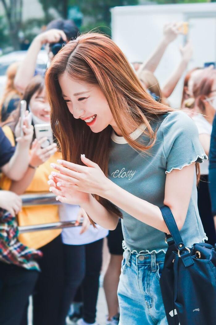 Top nữ idol sở hữu vẻ đẹp thách thức máy quay, theo K-Netizen - Ảnh 12