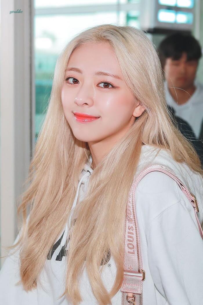 Top nữ idol sở hữu vẻ đẹp thách thức máy quay, theo K-Netizen - Ảnh 3