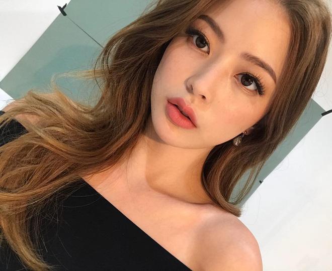 4 kiểu makeup đơn giản nhưng nâng hạng nhan sắc trong tích tắc, áp dụng khi đi làm hay đi chơi đều được - Ảnh 3