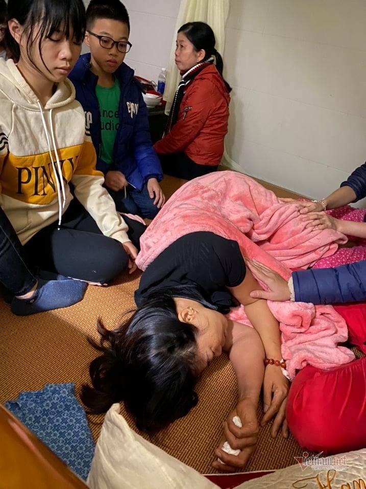 Vụ 22 người bị đất lở vùi lấp: Nỗi đau của cô giáo tiểu học 15 ngày chít 3 khăn tang - Ảnh 2