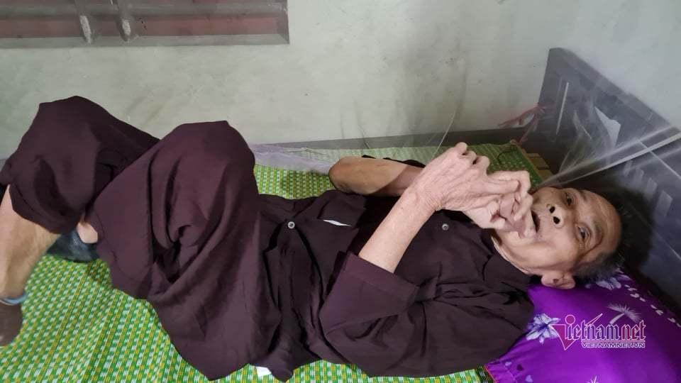 Vụ 22 người bị đất lở vùi lấp: Nỗi đau của cô giáo tiểu học 15 ngày chít 3 khăn tang - Ảnh 4