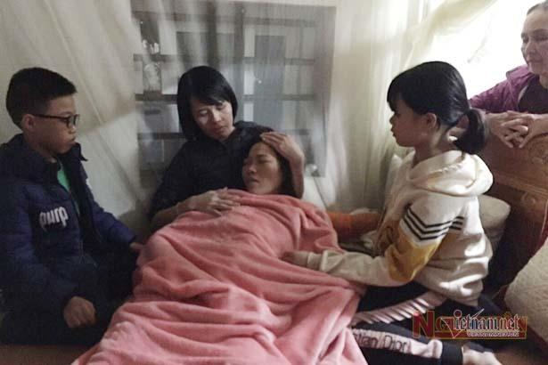 Vụ 22 người bị đất lở vùi lấp: Nỗi đau của cô giáo tiểu học 15 ngày chít 3 khăn tang - Ảnh 1
