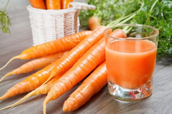 Chỉ cần mỗi ngày uống 1 ly nước ép cà rốt, cơ thể bạn sẽ thay đổi kỳ diệu - Ảnh 1