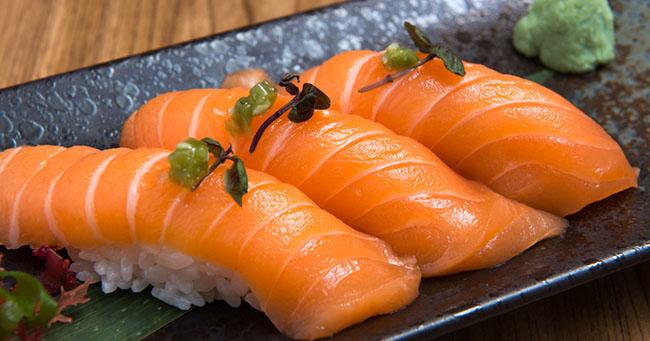 10 siêu thực phẩm tốt hơn ngàn viên thuốc bổ, chăm ăn sẽ thấy cơ thể thay đổi đáng kinh ngạc - Ảnh 1
