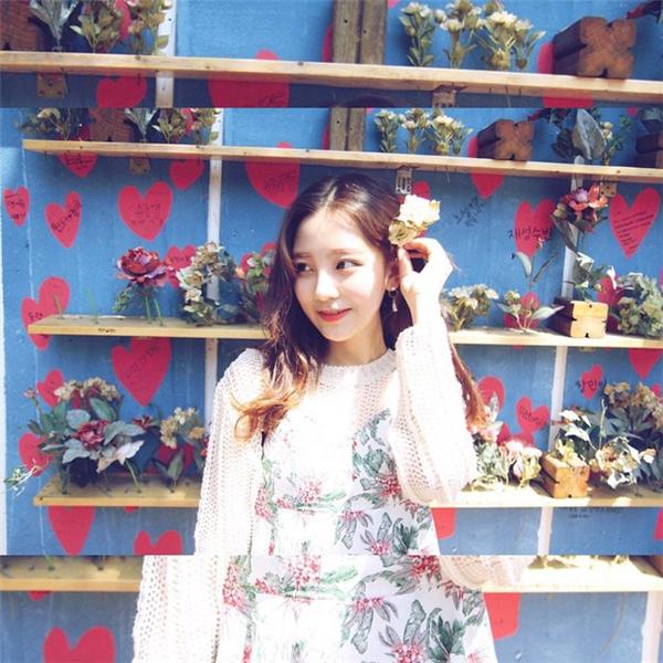 Thêm 1 cô gái Hàn xinh đẹp và đáng yêu 'phát ngất' gây sốt MXH - Ảnh 3