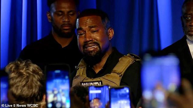 Kanye West ám chỉ bị Kim và mẹ vợ tìm cách đưa vào viện tâm thần - Ảnh 2