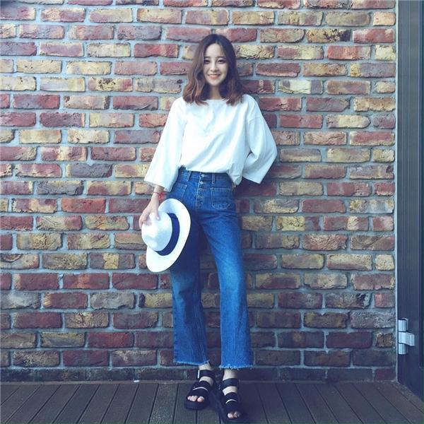 Thêm 1 cô gái Hàn xinh đẹp và đáng yêu 'phát ngất' gây sốt MXH - Ảnh 9